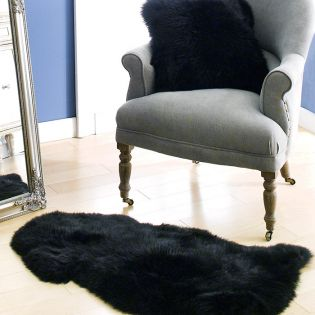 Mary Rug-Black  Sheepskin