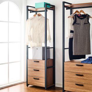 Styler-I-1  Unit Closet